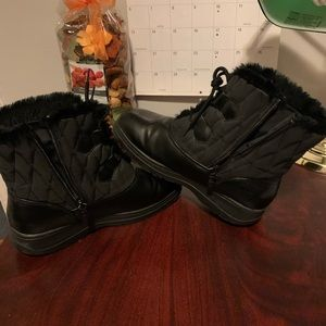 Totes boots for women